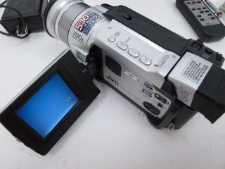 JVC GR DVL725U MiniDV Camcorder Bundle w Accessories 2 5 LCD Display