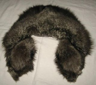 Plush Vintage Genuine Raccoon Fur Collar Natural Color Luxurious