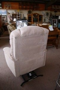 Nice La Z Boy Luxury Lift Power Recliner Chair