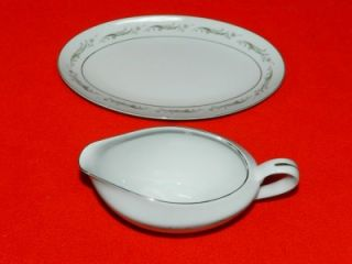 Larchmont 8091 Platinum Rim Fine China Japan Gravy Boat with Plate