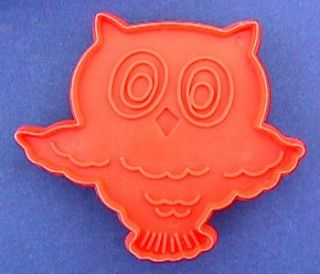 Hallmark Cookie Cutter Halloween Owl Big Eyes Vintage Old Plastic Vtg