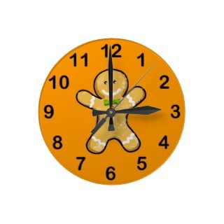 Cute gingerbread man cookie round wallclock