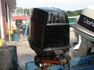JOHNSON 70 HP 2 STROKE OUTBOARD MOTOR 20 SHAFT BOAT ENGINE RUNS GOOD