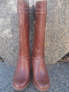 UGG Australia Maxene Boots in Color Chestnut Size 7