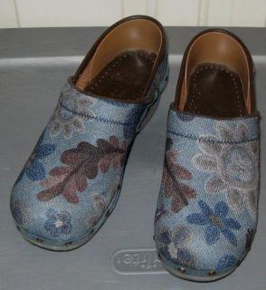Dansko Professional Denim Clogs 38 7 5 8 Floral Blue Brown
