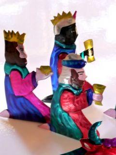 MEXICAN OAXACAN 10 PIECE HAND CUT & PAINTED TIN FOLK ART CHRISTMAS