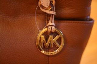NWT MICHAEL KORS JET SET ITEM MEDIUM ZIP TOP TOTE LEATHER LUGGAGE BAG