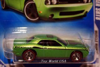 09 Hot Wheels Muscle Mania 86 08 Dodge Challenger SRT8