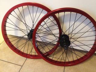 Revenge Complete Wheel Set Wheels Red Front Black Back 9 Tooth Profile