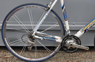 Cannondale R600 54cm Road Bike w Bontrager Race x Lite Wheels