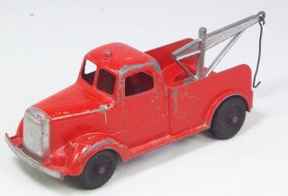 TOOTSIETOY 6 INCH SERIES MACK WRECKER TOW TRUCK WITH DUAL REAR WHEELS