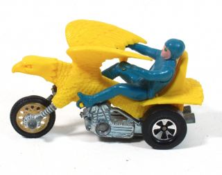 Vintage Hot Wheels Rrrumblers Yellow Bold Eagle Bike w Rider Red Line