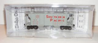 Kadee HO Scale 8025 Southern Pacific SP PS 2 2 Bay Covered Hopper