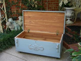 Shabby Fabulous Vintage Old Cedar Hope Chest Trunk Coffee Table Chic