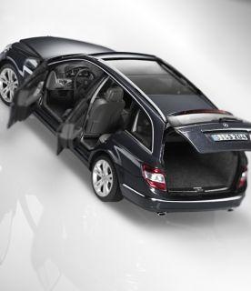 Mercedes Benz C Klasse W204 S204 T Modell 118 AutoArt NEU (B66962353
