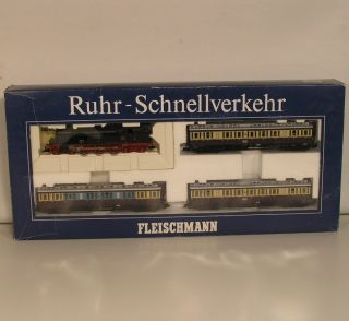 3y03  Fleischmann 4887 Ruhr Schnellverkehr Set mit Verpackung.