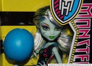 Monster High Roller Maze X3671 Rollschuh Clique Lagoona Frankie Stein