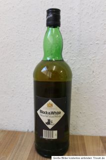 Flasche Black&White Blended Scotch Whisky (Art C 186)