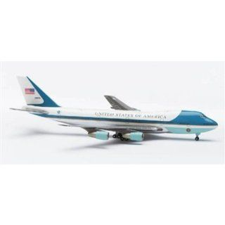 560191   Herpa Wings   B747 200 US Air Force One Spielzeug