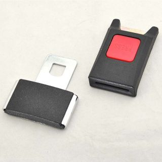 Schwarze Auto Sicherheitsgurt Schnalle verstellbar