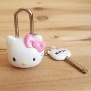 Hello Kitty Mini Schloss Mit Schlüssel Kette Set Süß