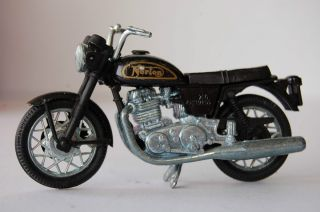 NORTON COMMANDO 750 1979 1/24th POLISTIL DIECAST MODEL MOTORCYCLE