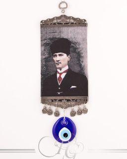 Mustafa Kemal Atatürk Portrait No.2 mit Nazar Boncuk Mini Teppich