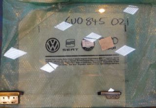 VW CADDY PICKUP LEFT FRONT DOOR WINDOW GLASS   6U0 845 021
