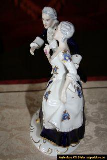 schöne große Porzellanfigur im Rokkoko Stiel ,  Top _. ROYAL DUX