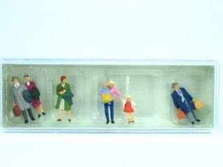 Preiser H0 10511 Miniaturfiguren Gehende Reisende (BB915)
