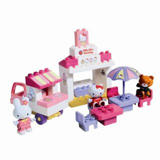 ASSEMBLAGE CONSTRUCTION Le Kiosque A Glace Hello Kitty   43 pièces