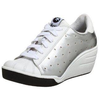 Steve Maddens Fix Womens Brashh Sneaker,White/Silver,6 M US Shoes