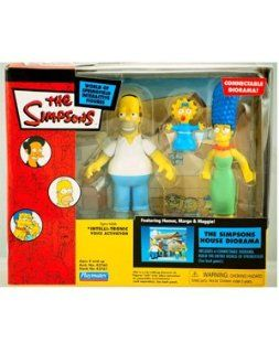 Simpsons   House Diorama featuring Homer, Marge and Maggie
