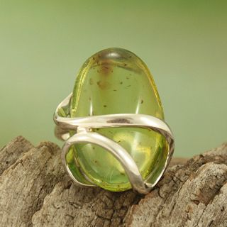 Sterling Silver Freeform Lime Green Baltic Amber Ring (Lithuania
