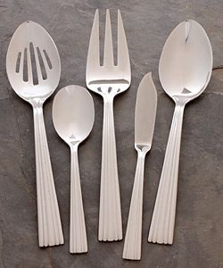 Reed & Barton Fluted Handle 101 piece Flatware Set