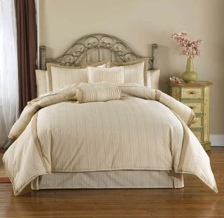 Vista Luxury Bedding Ensemble with 230tc Sheet Set