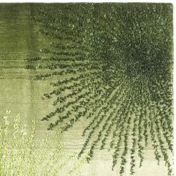 Handmade Soho Burst Green New Zealand Wool Rug (6 Square)