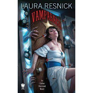 Vamparazzi An Esther Diamond Novel (9780756406875) Laura