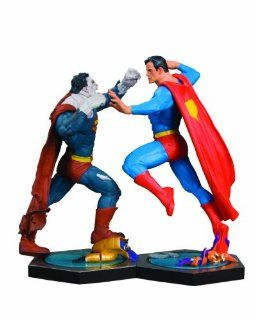 DC Direct Utlimate Showdown Superman vs. Bizarro Statue