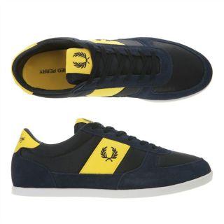 Modèle B204. Coloris  Bleu marine et jaune. La basket griffée Fred