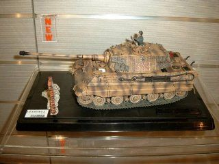 King Tiger Battle Tank #333   Germany 1944   1/32 Scale: Toys & Games