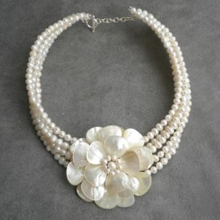 Pearl and Mother of Pearl Flower Beaded Necklace (4 8 mm) (Thailand